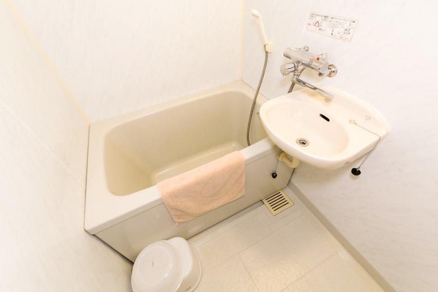 シンプルで使いやすいバスルームにはバスマットをご用意しております