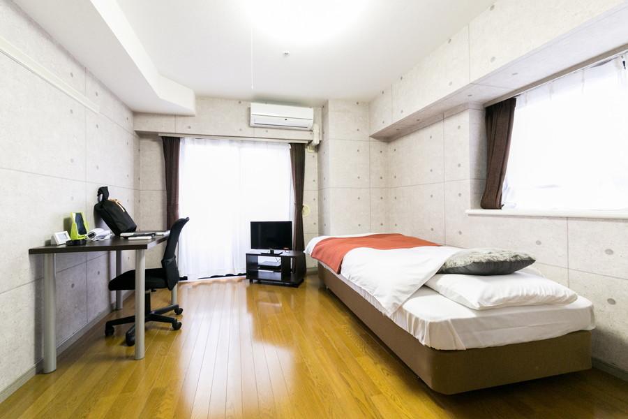 お部屋はゆったり過ごせる7.9帖。ゆとりの間取りです