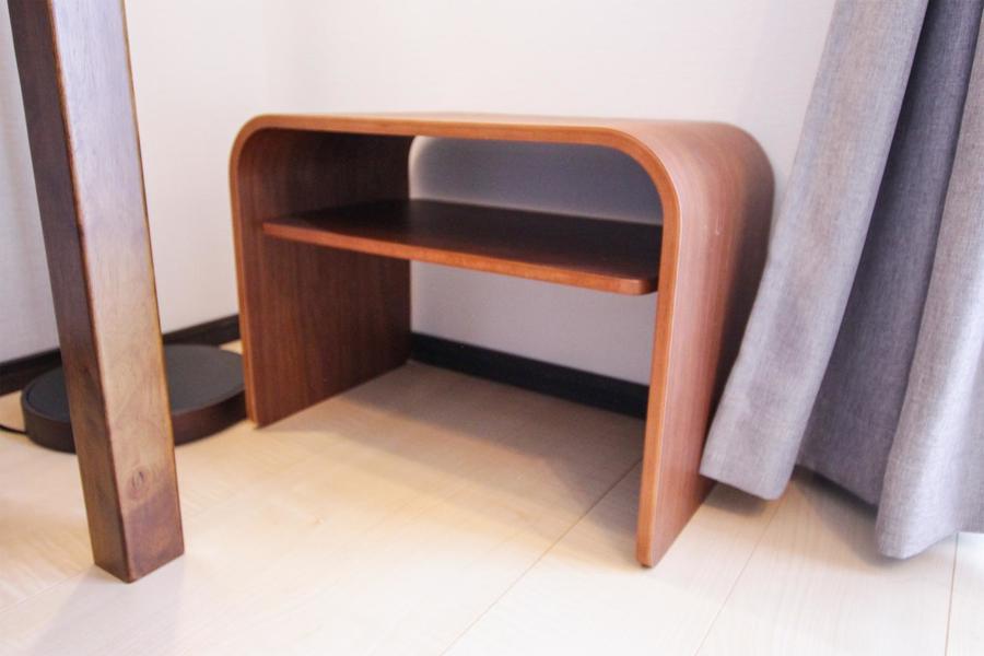 サイドテーブルはシングルチェアと合わせてもお使いいただけます