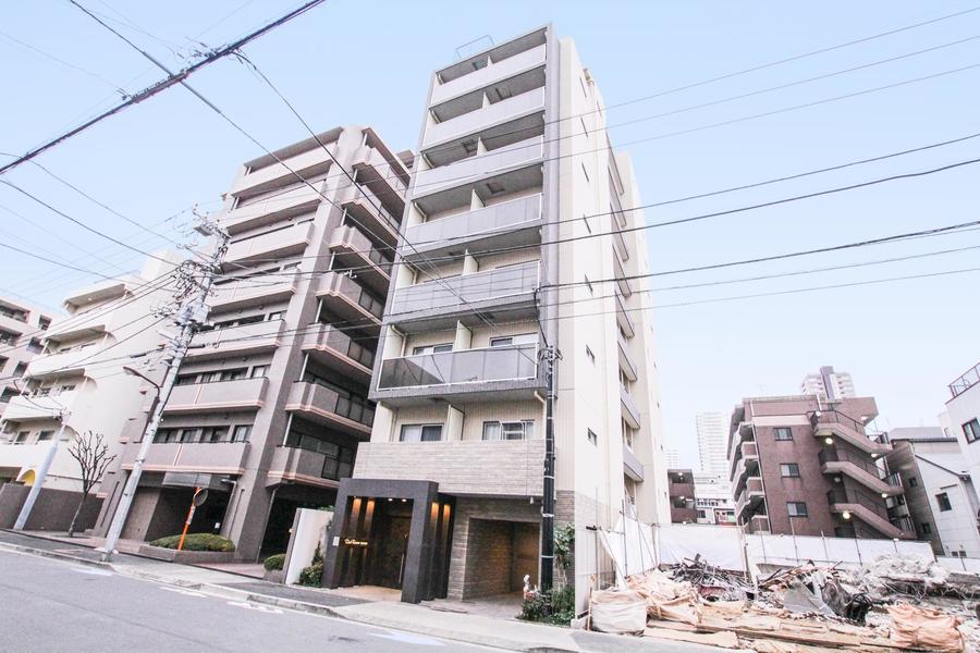 都営新宿線菊川駅より徒歩3分。コンビニ、スーパーのほか飲食店も豊富です
