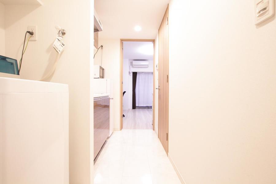 お部屋と廊下の間は段差が少なく、深夜のお帰りも安心です