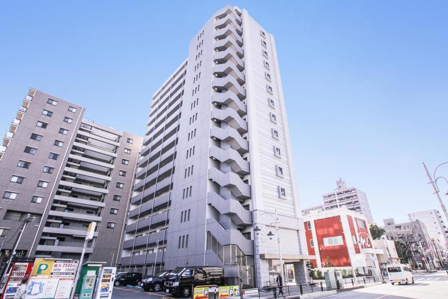 川崎駅西口から徒歩9分。周辺はマンションやビルが多め、ラゾーナ川崎も徒歩圏内です