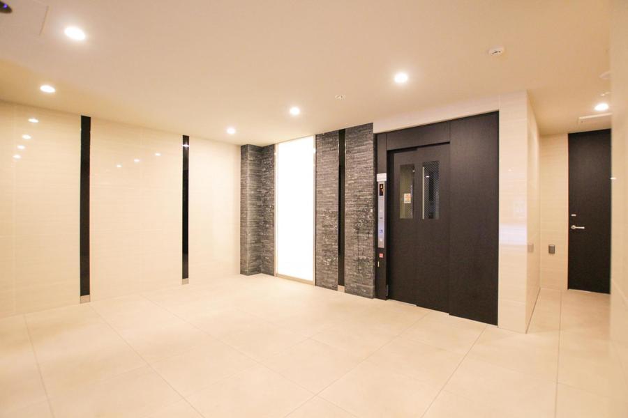 エレベーターの他オートロック、宅配ボックスと充実の設備が揃います