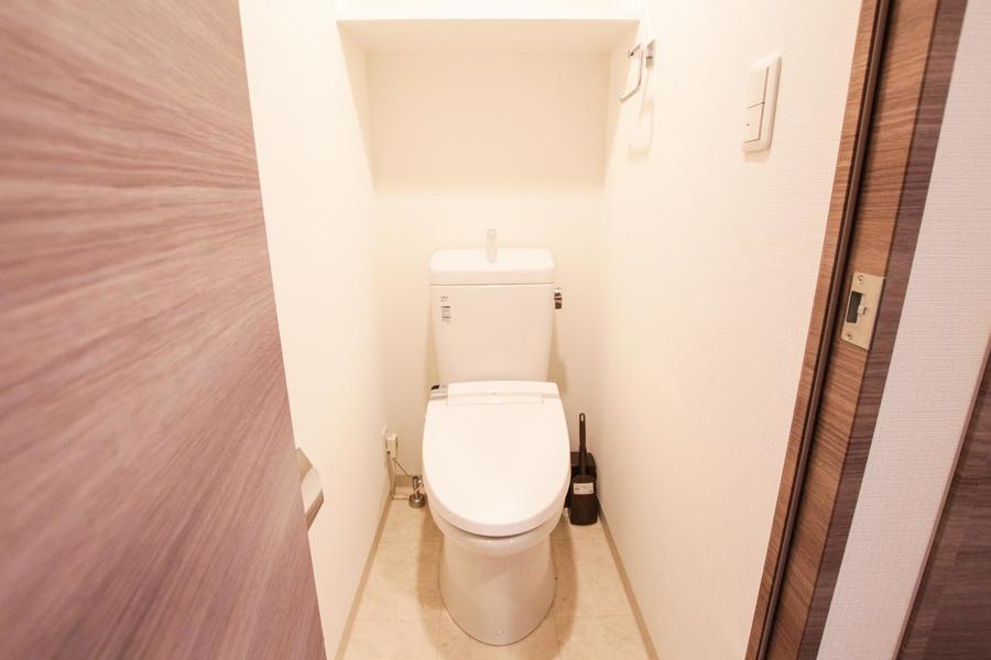 お手洗いはセパレートタイプ。シャワートイレ搭載です