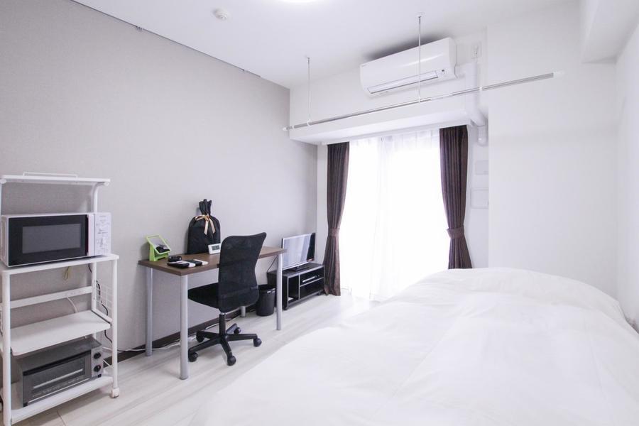 白を基調としたシンプルで過ごしやすいお部屋です