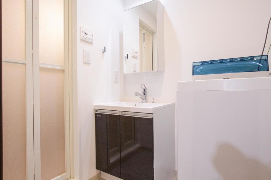 すっきりとした洗面所で毎日の身だしなみもばっちり!
