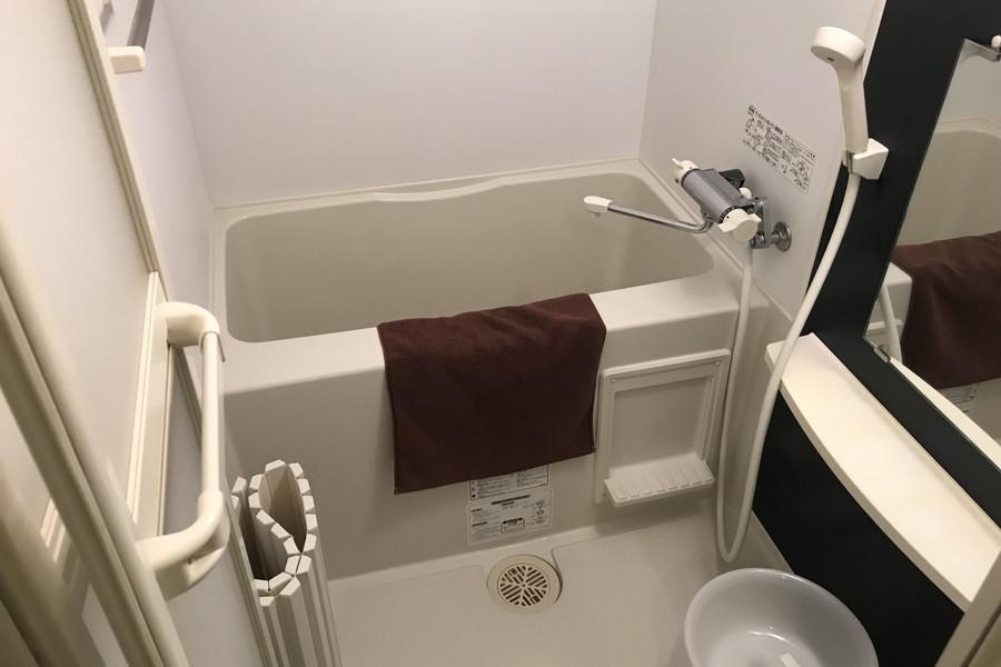 バスルームには浴室乾燥機が搭載。花粉やホコリを気にせずお洗濯OK!