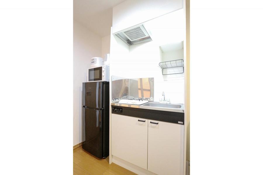 キッチンはコンパクトで使いやすいつくりです