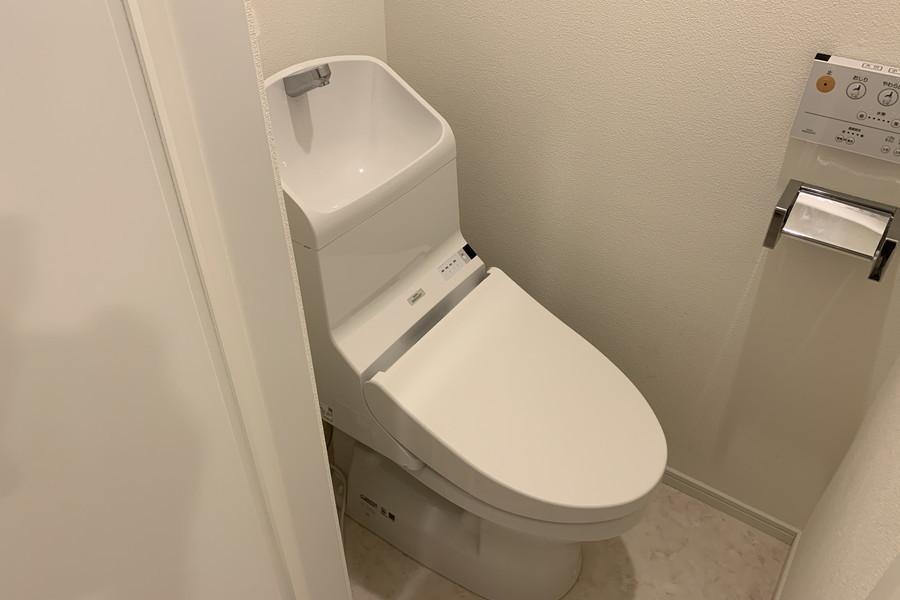 お手洗いはシャワートイレタイプ。こだわりのお客様も多い人気の設備です