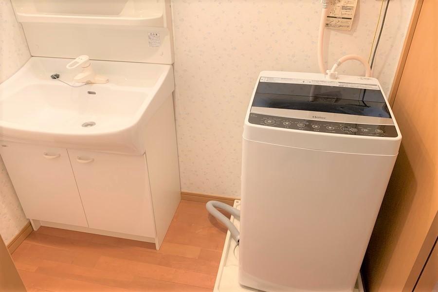 独立洗面台・洗濯機置場