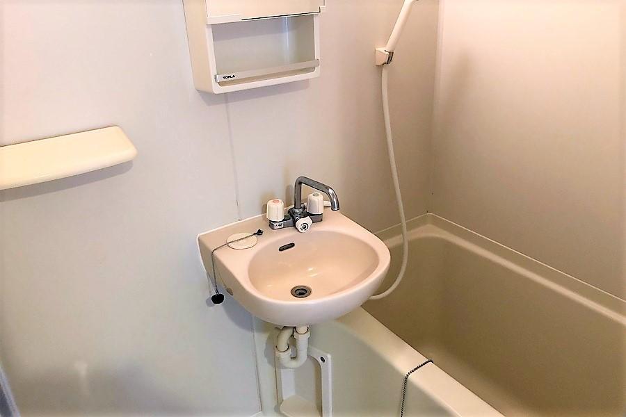 バスルームは便利な浴室乾燥機能を搭載