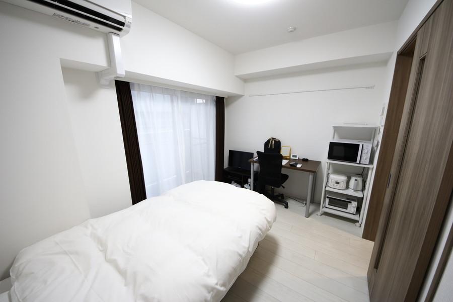 お部屋は6帖と平均的な広さ。ベッドやデスクなどを配置してもゆとりがあります