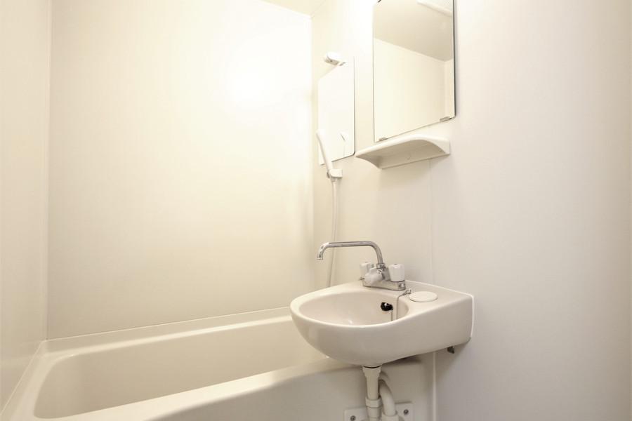 毎日の疲れを洗い流すバスルーム