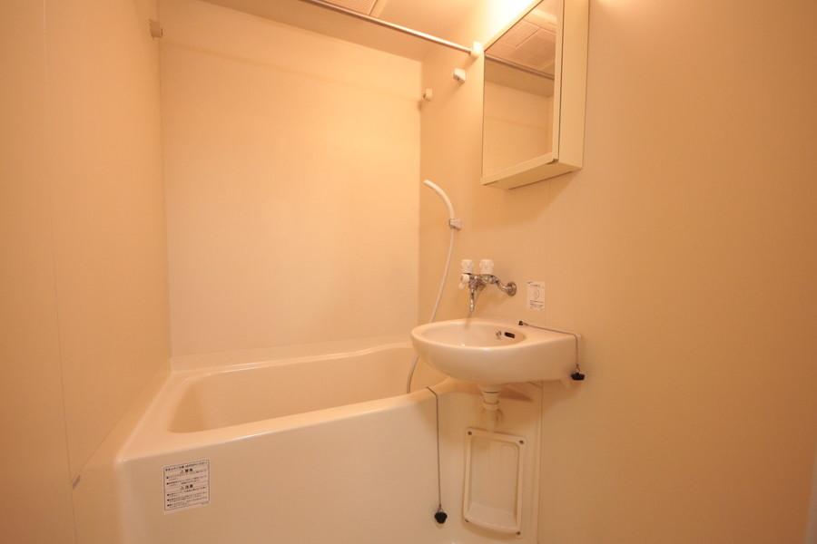 お風呂は嬉しい浴室乾燥機能付き