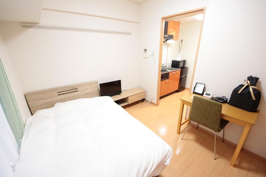 お部屋はコンパクトな5.5帖。広すぎず狭すぎず過ごしやすい間取りです