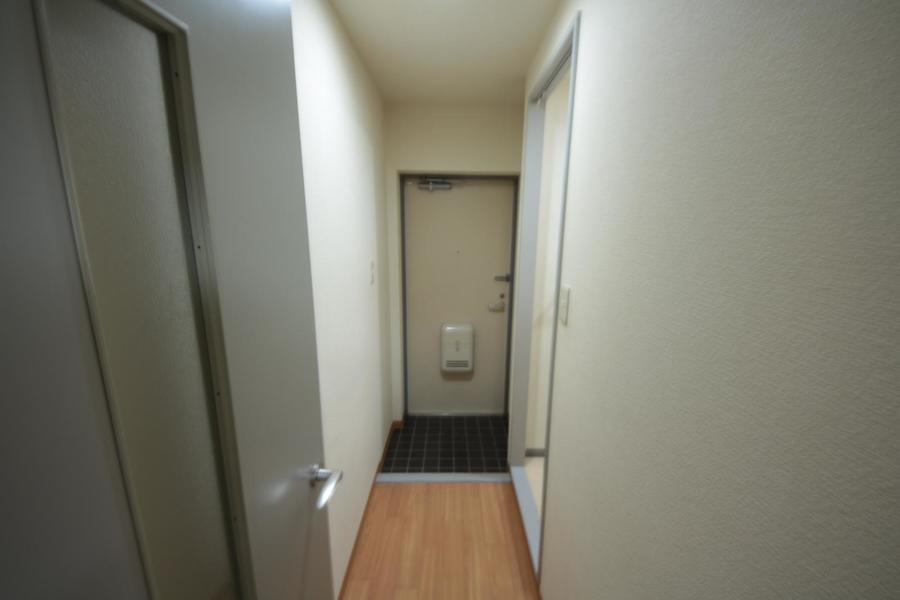 廊下には仕切り扉つき。来客時もお部屋が見えず安心です