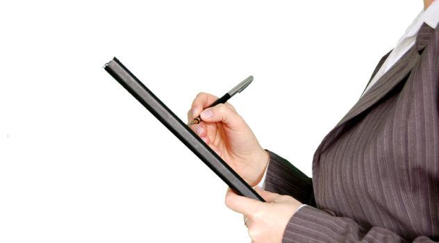 マンスリーマンションの入居審査とは?保証人の要否や必要書類を解説
